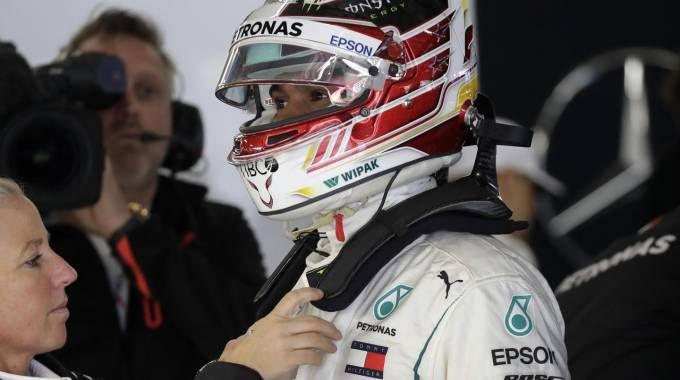 Lewis Hamilton in Cina (foto Ansa)