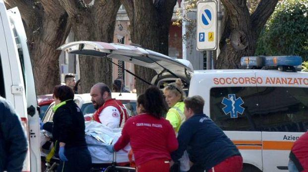 I soccorsi in via Matteotti (Foto Agostini)