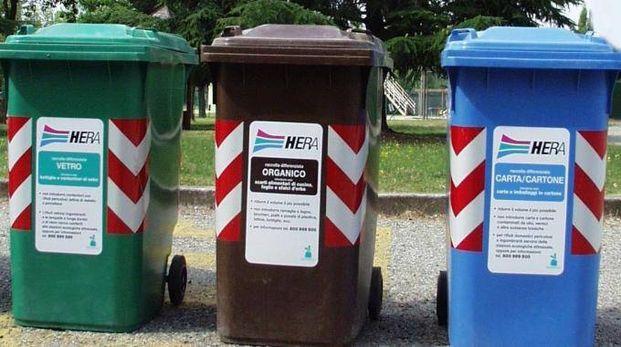 Non si può applicare l'Iva sulla tassa sui rifiuti: lo ha deciso il tribunale che ha condannato Hera