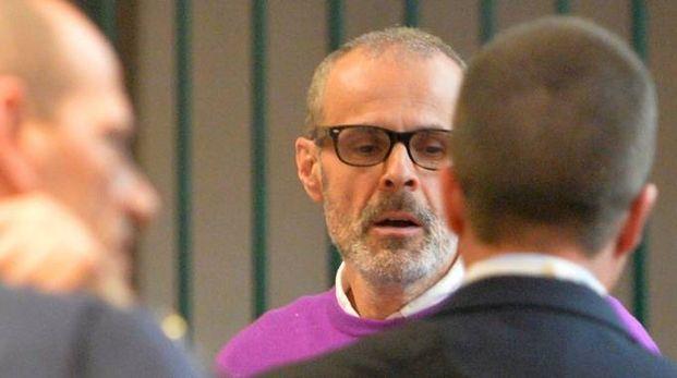 Leonardo Cazzaniga imputato delle morti al pronto soccorso di Saronno ieri era presente all'avvio del suo processo