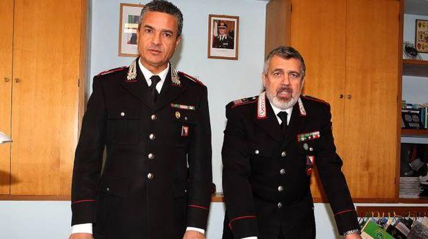 Enrico Vellucci (sin.) comandante della Compagnia e Biagio D'Errico comandante della stazione di Montecatini