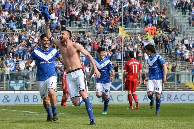 L'esultanza di Caracciolo per l'1-0 (La Presse)