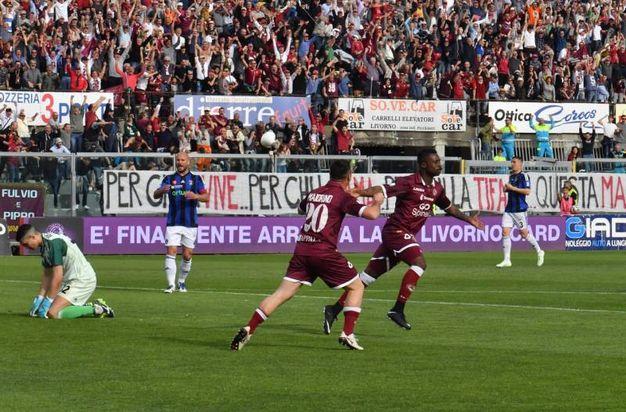 Alcuni momenti della partita (Foto Novi)