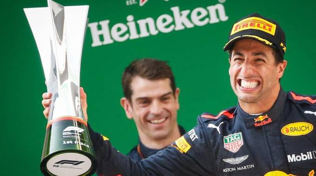 Daniel Ricciardo vince il Gp di Cina 2018 (Ansa)
