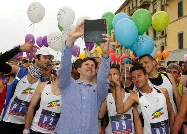 Tutti di corsa in città per l'Half Marathon'. Il via alla gara lo dà sindaco Nardella