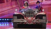 Amedeo Minghi e Samanta Togni in auto (Lapresse)