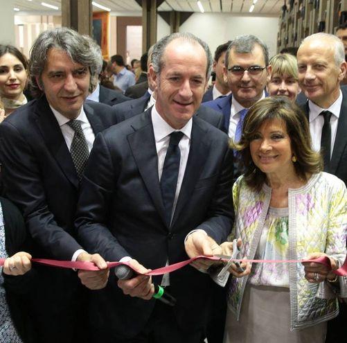 Casellati e Zaia inaugurano Vinitaly (Ansa)