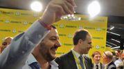 Salvini alza il calice  (Dire)