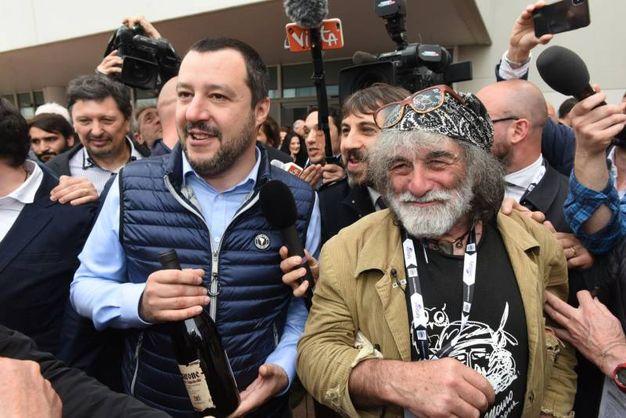 Corona con Salvini  (Imagoeconomica)