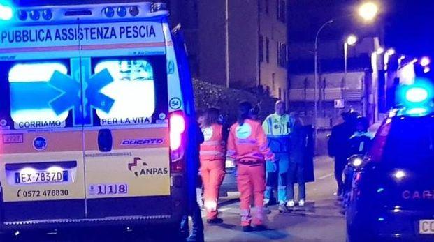 I soccorritori sulla Provinciale Lucchese sabato sera, subito dopo l'incidente costato la vita alla bambina
