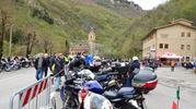 Le moto parcheggiate davanti al santuario (foto Carassai)