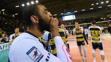 Earvin Ngapeth commosso: la sua ultima partita con la maglia del Modena (fotofiocchi)