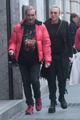 Paola Barale e Luca Cerri a passeggio per Milano