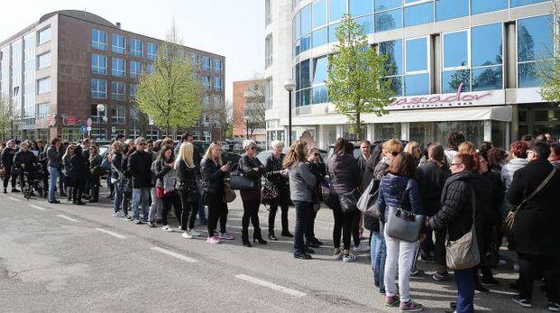 I disoccupati in fila questa mattina a Ravenna