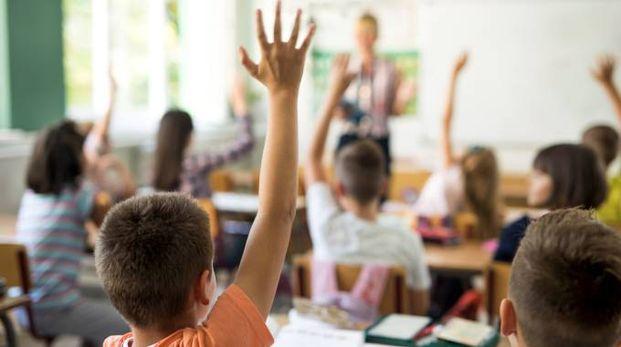 Scuola, una classe con l'insegnante (foto archivio iStock)