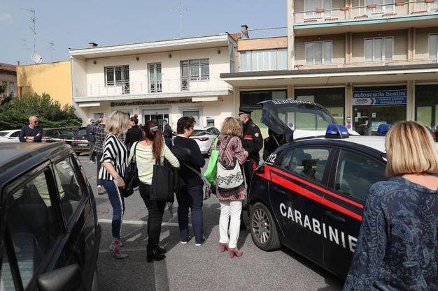 Nel mirino del bandito la Cassa dei Risparmi di Forlì e della Romagna (Foto Zani)