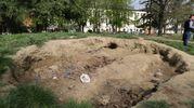 La collinetta nel giardino della scuola materna Savio 2, di via Bassano del Grappa, al quartiere Savena (foto Schicchi)