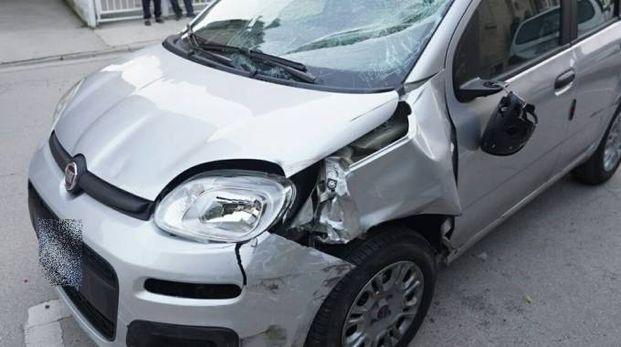 Porto San Giorgio, l'auto dopo l'incidente (foto Zappilli)