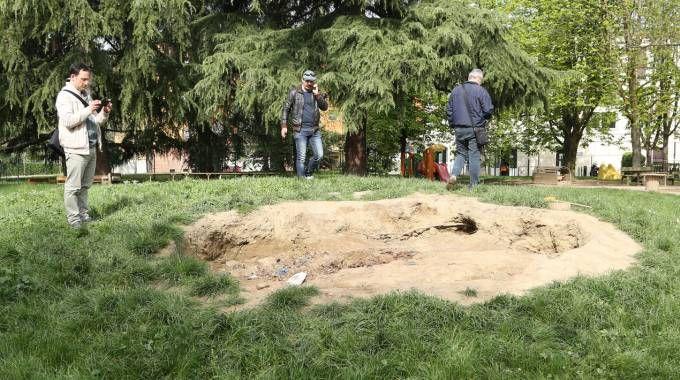 Bologna, l'area dove sono stati rinvenuti i rifiuti (FotoSchicchi)