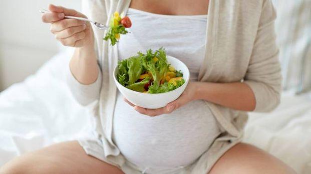 L'eduzione alla fertilità dovrebbe iniziare già a scuola - Foto: dolgachov/iStock