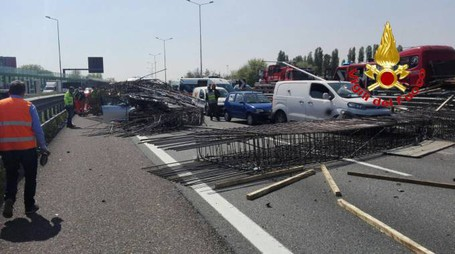 Incidente in tangenziale ovest