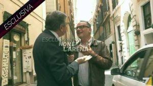 L'ex ministro Mario Landolfi ha colpito con uno schiaffo l'inviato di Non è l'Arena (Ansa)
