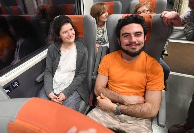 I fedeli in viaggio in treno per Roma (Foto Schicchi)
