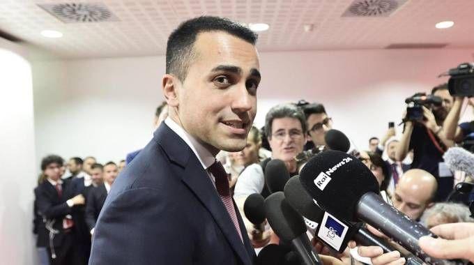 Luigi Di maio al Salone del mobile di Milano (Ansa)