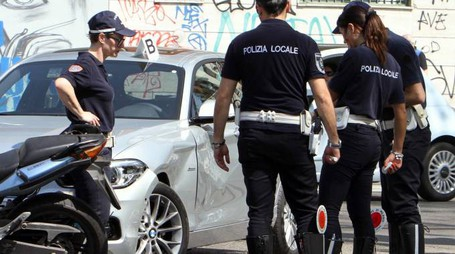 La polizia municipale (nella foto a destra il comandante Casale) è chiamata a chiarire quanto accaduto