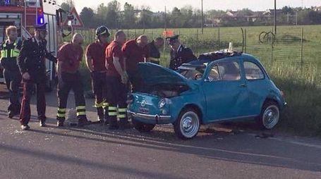 La Fiat 500 che si è ribaltata
