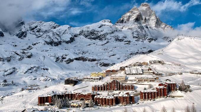 A Cervinia si scia anche in maggio