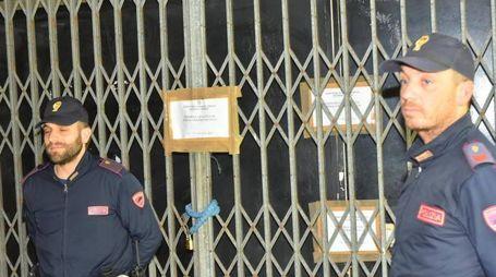 La polizia ha posto i sigilli al locale di Masone