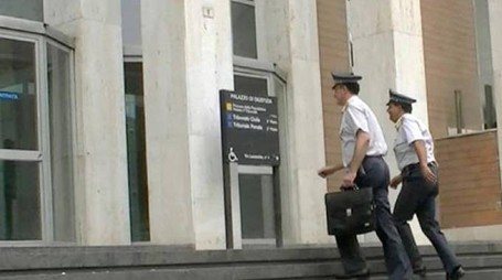 La Guardia di Finanza in tribunale