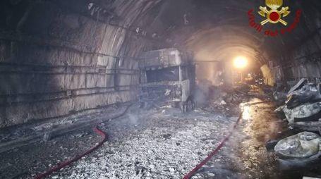 La galleria distrutta sulla E45