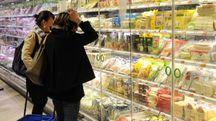 Un supermercato in una foto d'archivio (Fotowebgio)
