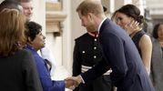 Meghan Markle e il principe Harry allo Stephen Lawrence memorial (Ansa)