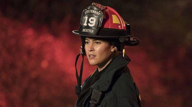 Jaina Lee Ortiz in una scena di 'Station 19' – Foto: Mitch Haaseth/ABC