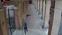 L'aggressione del marocchino in un frame del video