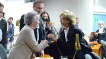 Il saluto fra la mamma di Lidia e il sostituto procuratore generale Gemma Gualdi