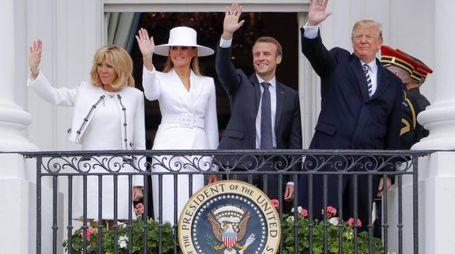 Da sin: Brigitte, Melania, Emmanuel Macron e Donald Trump (Ansa)