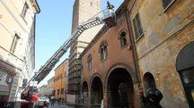 Ravenna, cadono pezzi da Casa Melandri (foto Zani)
