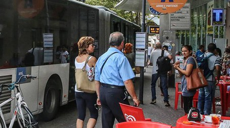 Il capolinea del bus sempre frequentato