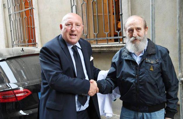 Cessione Lucchese. Da sinistra Fabrizio Lucchesi nuovo general manager; Arnaldo Micheloni ex proprietario (Alcide)