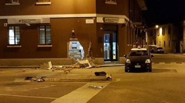 pavia, assalti ai bancomat col trattore: individuata banda di rom - video
