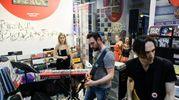 """La presentazione dell'ultimo album """"L'AB"""" con un mini livenel negozio di dischi Semm Music Store (FotoSchicchi)"""