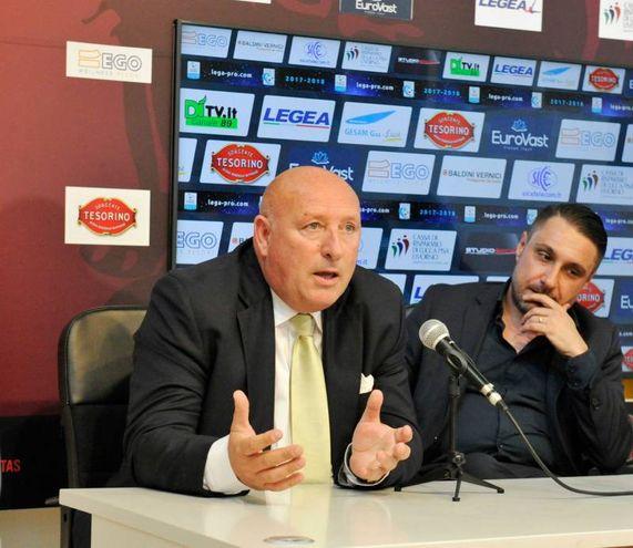 Lucchese, la presentazione del nuovo proprietario  Lorenzo Grassini . Nella foto Grassini e il direttore generale Fabrizio Lucchesi (Foto Alcide)