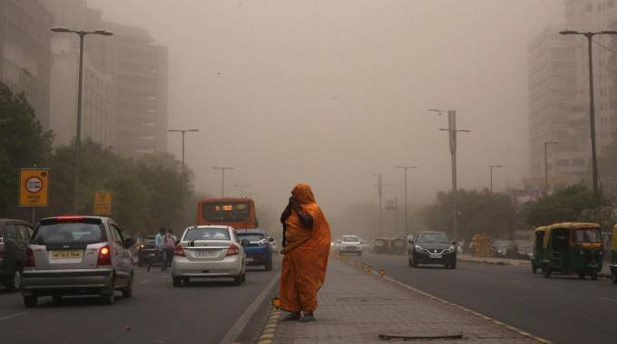 Super-tempesta di sabbia in India (Ansa)