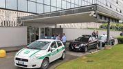 Forze dell'ordine davanti alla sede di Leroy Merlin a Rozzano (Mdf)