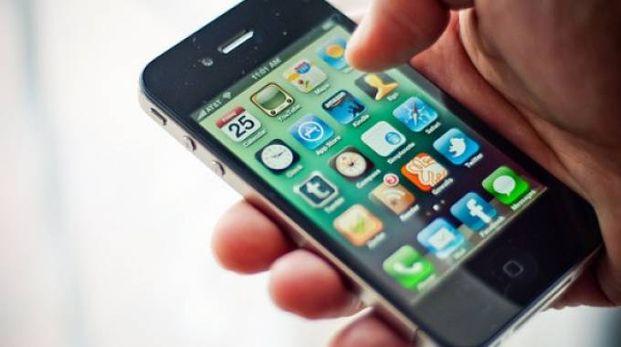 Lo smartphone (Foto d'Archivio)