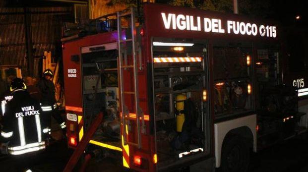 Sul posto i vigili del fuoco